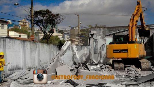 Demolição Escola E. Alberto Delpino